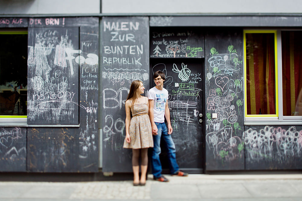 25_couple-engagement-photos_what-to-wear