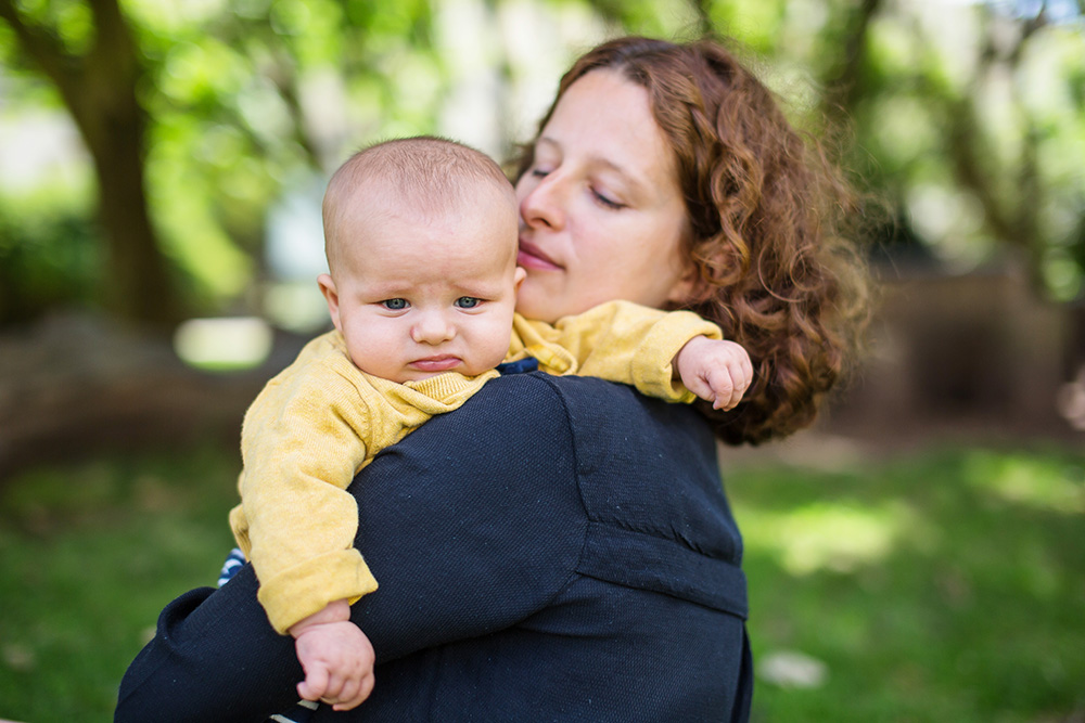 13_mommy-with-baby-boy-in-park-brighton