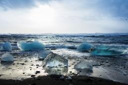 Iceland . roadtrippin' around a cold island