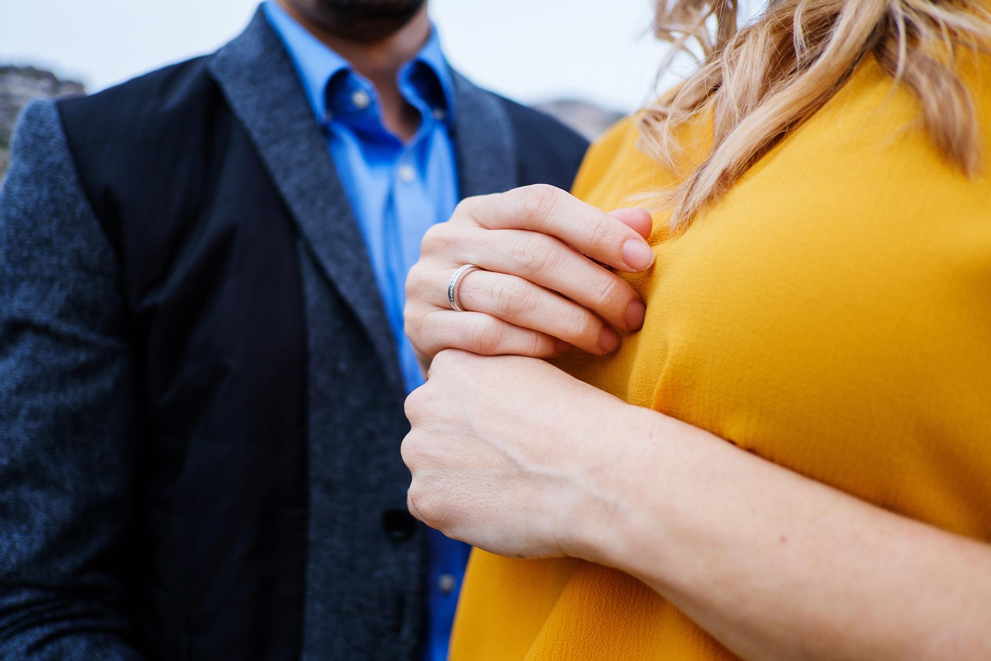 09_close-up-hand-engaged