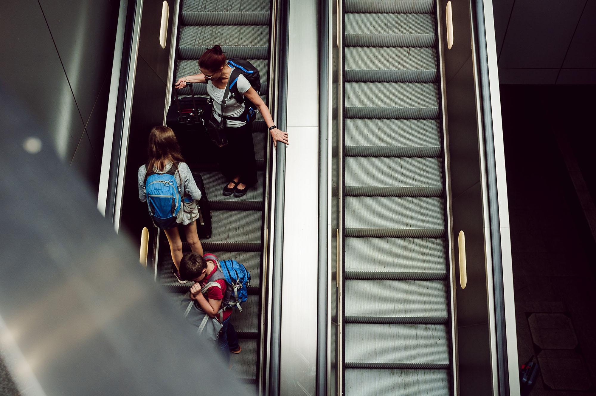 berlin escalator train station