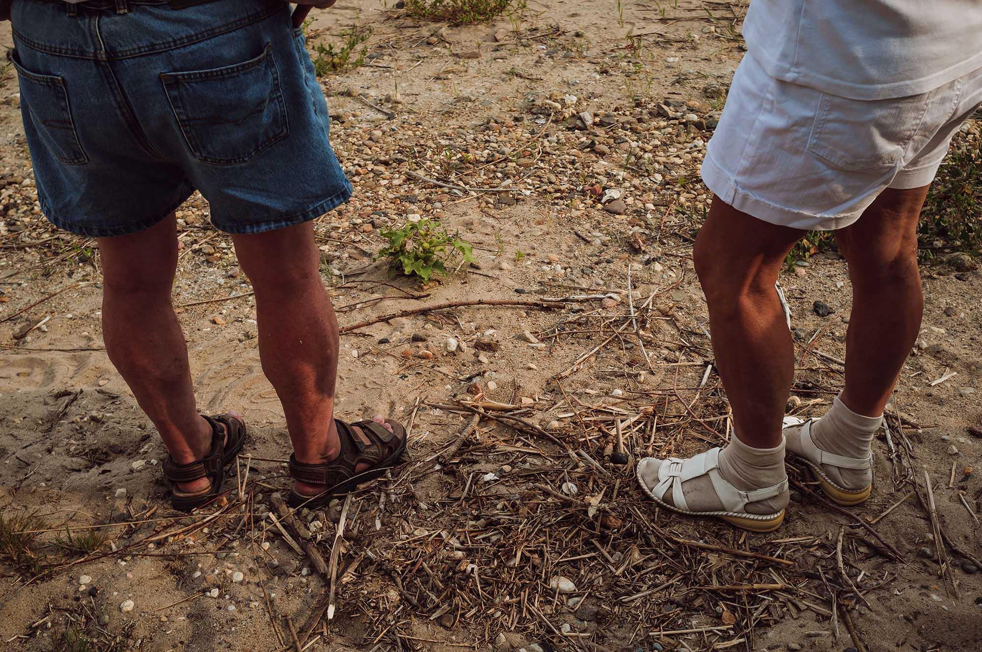 man legs brothers