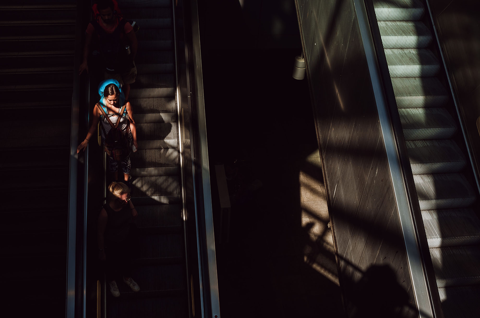 escalator berlin trains