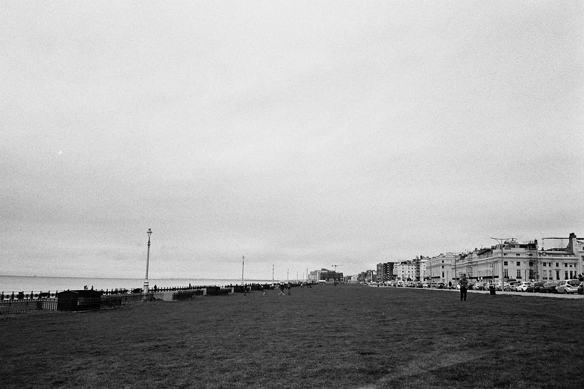 hove-lawns-black-and-white-olympus-mju-ii