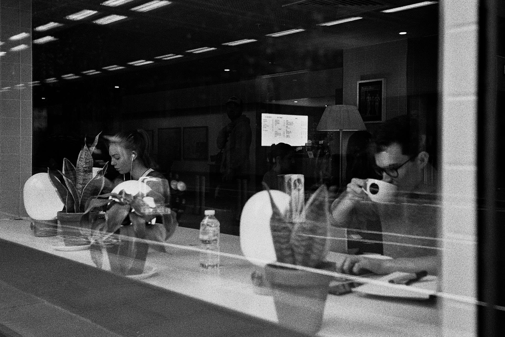 reflection-photo-coffee-shot-london-black-and-white