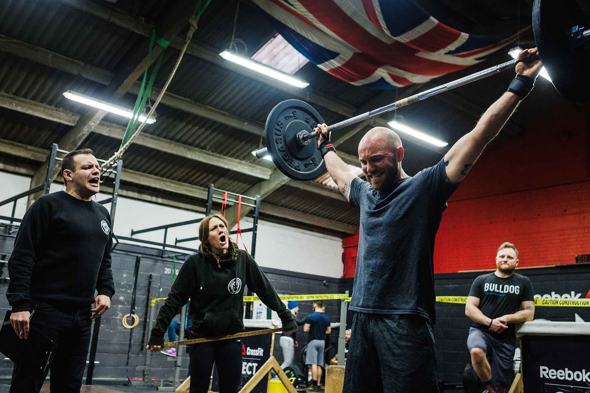 snatch wod man working out
