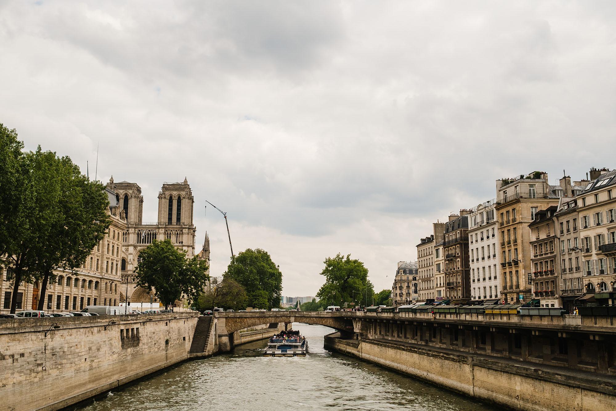 photo exhibition in Paris