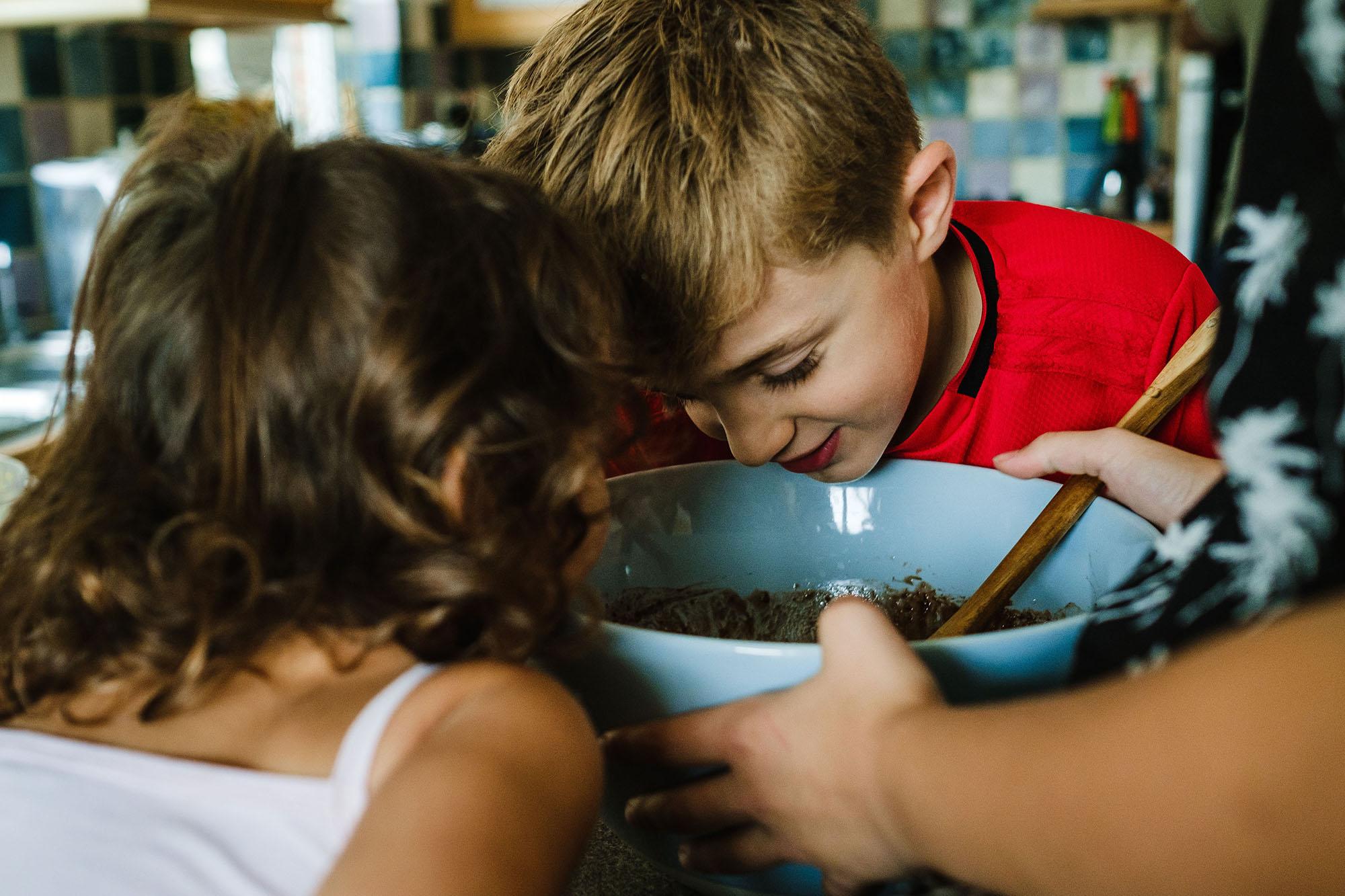 family baking session