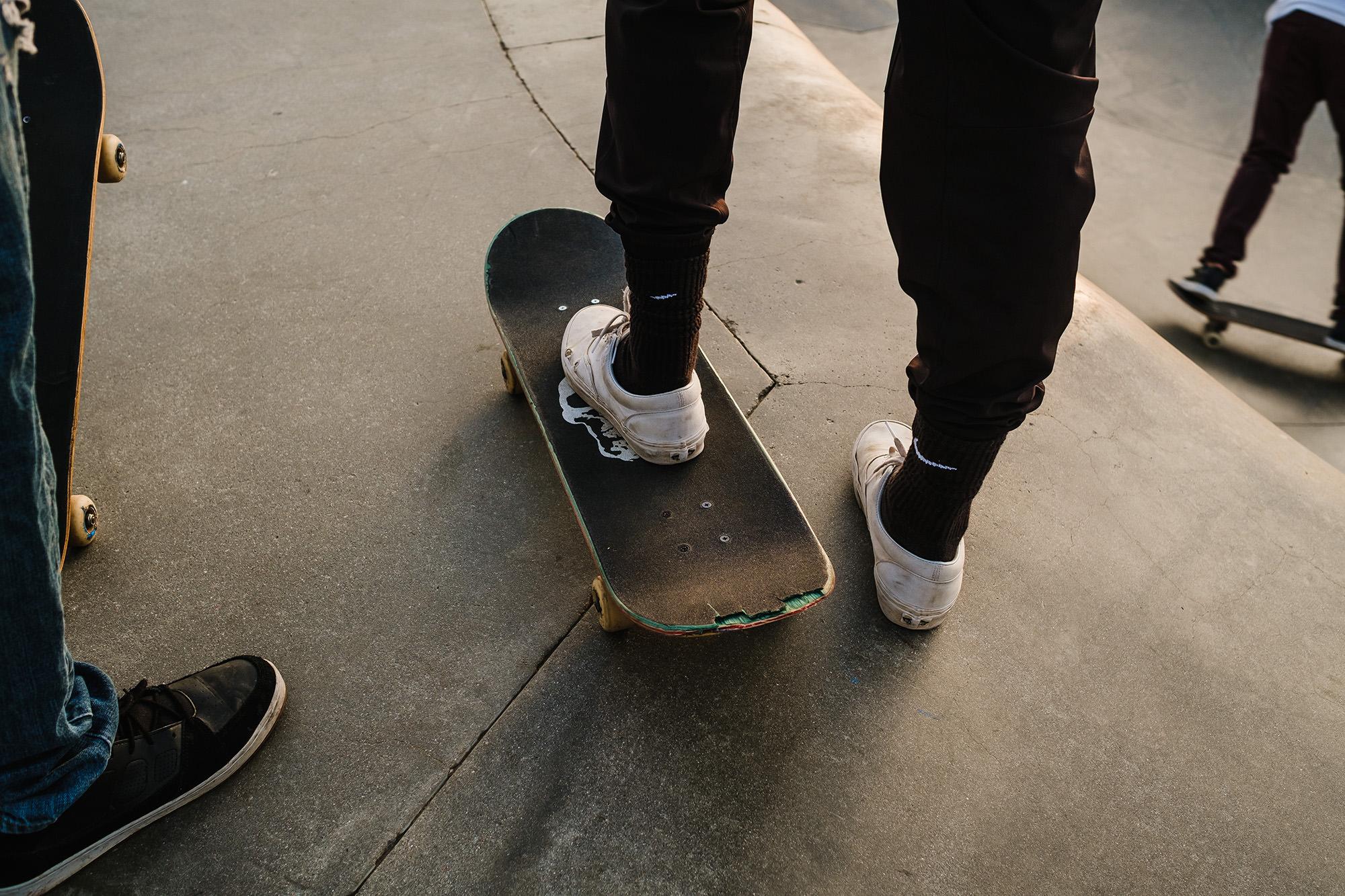 skaters in venice beach