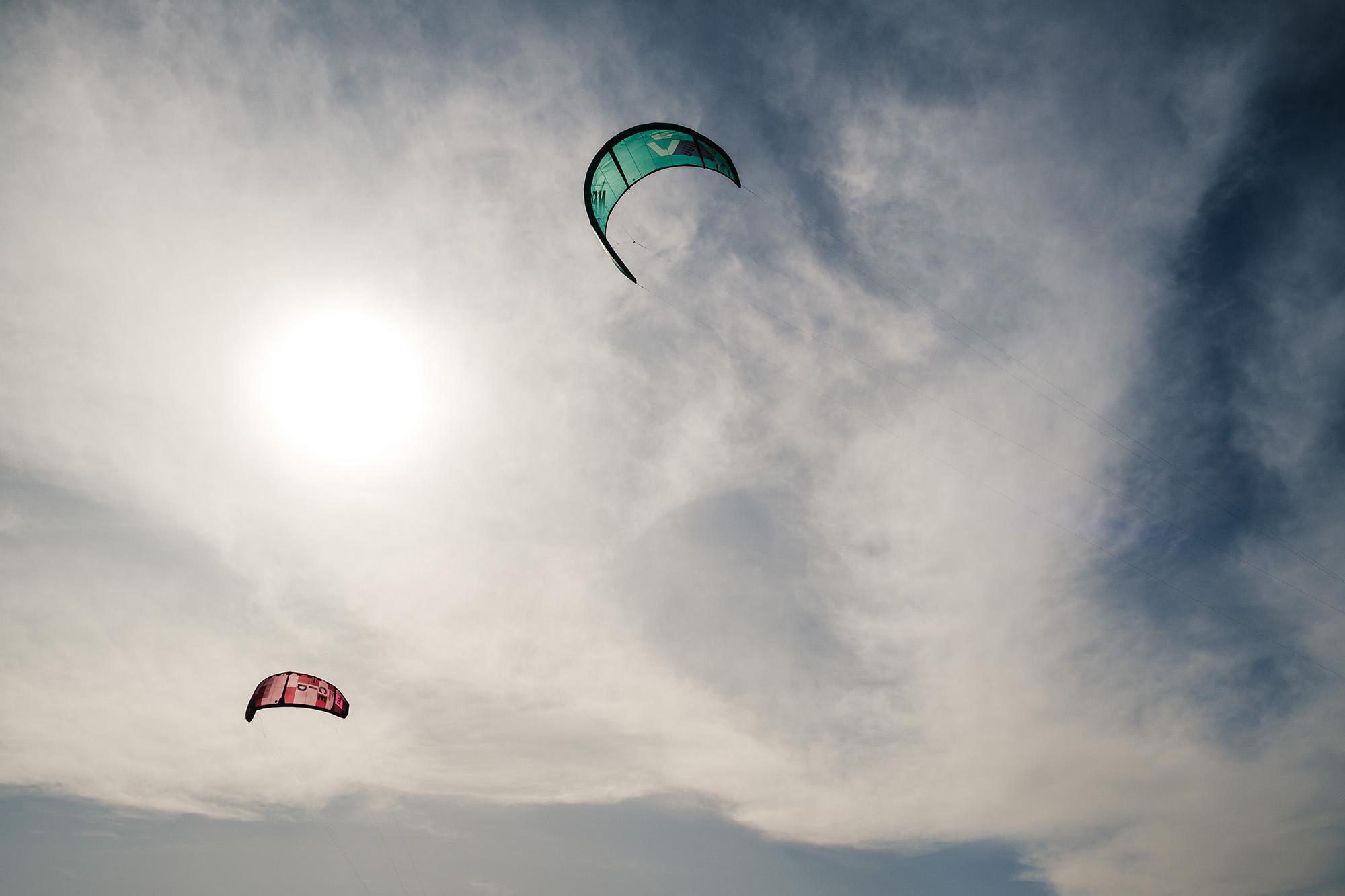 windsurfer lancing