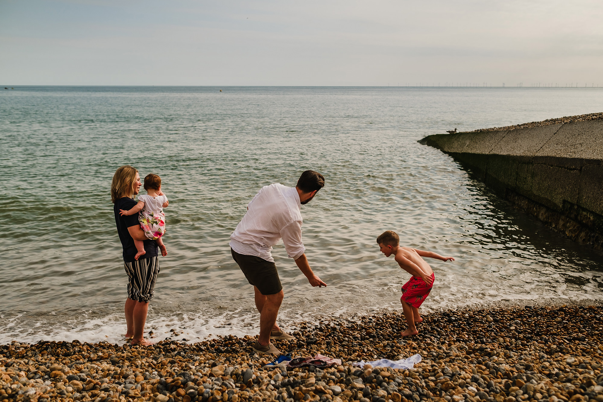 worthing family photos family by the beach in Hove, UK