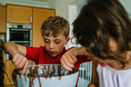 baking a cake brother and sister